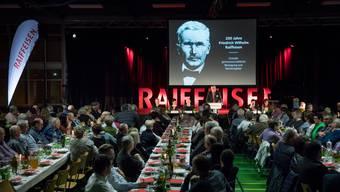 Friedrich Wilhelm Raiffeisen blickte fürsorglich von der Leinwand auf die Generalversammlung der RB Gäu-Bipperamt in Egerkingen.