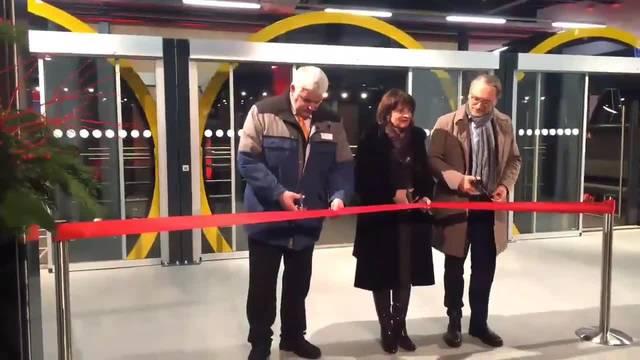 Bundespräsidentin Leuthard eröffnet die Standseilbahn am Stoos