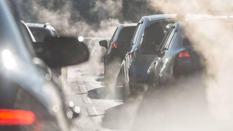 Während des Corona-Lockdowns sank in der Region Basel die Stickoxid-Belastung durch den motorisierten Verkehr. (Symbolbild)