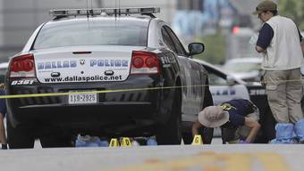 Dallas-Bluttat: Ermittler am Tag danach im Einsatz
