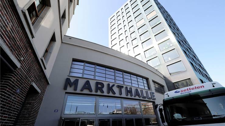 Noch ziehen die Pächter ein, doch schon Ende Woche wird mit der Markthalle ein weiteres Shopping Center in Basel eröffnet.