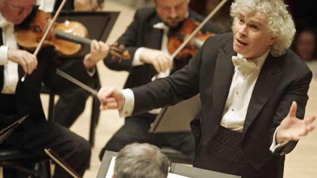 Simon Rattles Berliner Philharmoniker spielen künftig an Ostern nicht mehr in Salzburg (Archiv)
