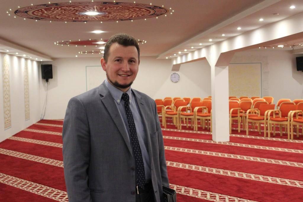 Feim Dragusha ist Imam der Paradies Moschee in St.Gallen. (© FM1Today)