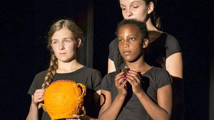 Festivalstück des 5. Internationalen Kindertheaterfestes im Jahre 2014