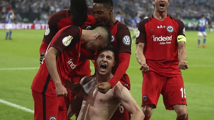 Freudentaumel bei der Eintracht nach dem Treffer von Luka Jovic