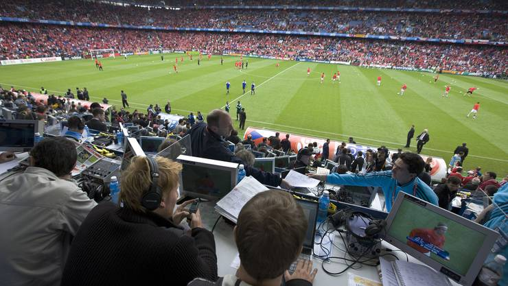 Das Schweizer Fernsehen zeigt das FCB-Spiel - genauso wie die Spiele der Schweizer Nati - live.