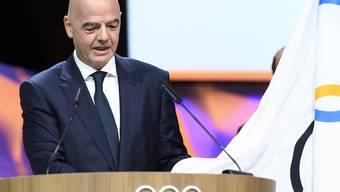 FIFA-Präsident Gianni Infantino leistet den Amtseid als neues Mitglied des IOC ab