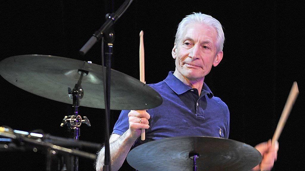Er ist nicht nur das eleganteste Bandmitglied, auch hält er die Rolling Stones seit Jahren zusammen: Drummer Charlie Watts feiert heute seinen 75. Geburtstag. (Archiv)