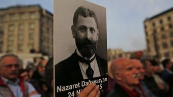 Demonstranten in Istanbul erinnerten im April an die Ermordung von armenischen Intellektuellen im Jahr 1915. (Archivbild)