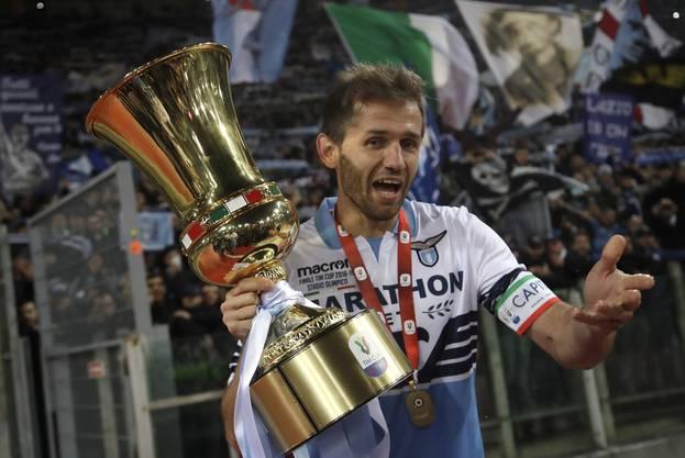 Der Lazio-Captain feierte mit 33 Jahren seinen dritten Sieg in der Coppa Italia.