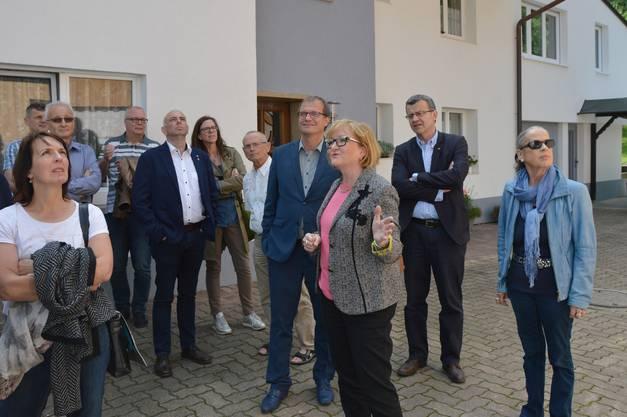Sabine Hartmann-Müller (Mitte), Ortsvorsteherin und Landtagsabgeordnete führte durch Herten
