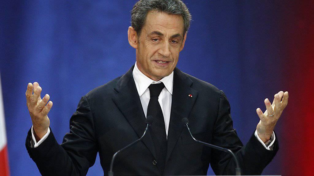 Nicolas Sarkozy will zurück auf sein früheres Amt als Präsident Frankreichs: Weil er sich als Parteipräsident der Republikaner nicht der Vorausscheidung stellen kann, kündigte er nun seinen Rücktritt von diesem Posten an. (Archivbild)