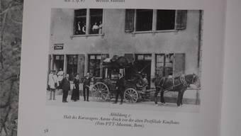 Die Kurs-Kutsche Aarau–Frick vor dem ehemaligen Gebäude der Postfiliale Kaufhaus. zvg