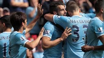 Alvaro Negredo (m) brachte Manchester City in Führung.