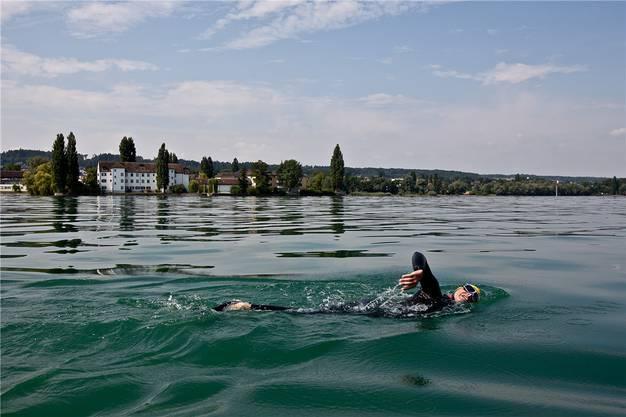 Hier fehlen nur noch 100 Kilometer bis zur Rheinmündung: Ernst Bromeis im Bodensee