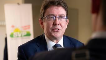 Albert Roesti, SVP Parteipräsident gibt den Medien die Schuld am Wahldebakel seiner Partei in Zürich. (KEYSTONE/Anthony Anex)