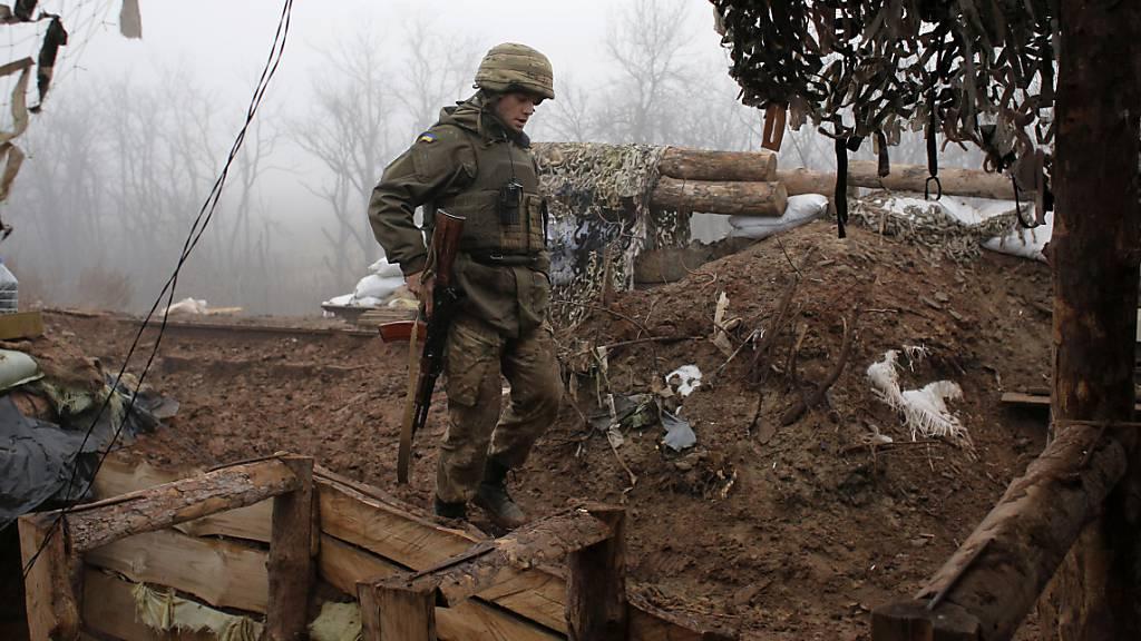 Russland hält an Truppenstationierung nahe Ostukraine fest