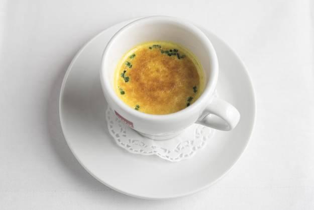 «Aus Kalbskopf, Schweinefüssen und Rindsschulter. Der überbackene Curryschaum und Sherry geben der Suppe die spezielle Note.»