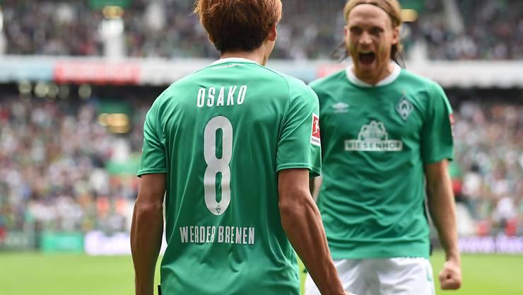 Michael Lang (rechts) konnte sich bei Werder Bremen nicht durchsetzen und kehrt nach Saisonende zu Borussia Mönchengladbach zurück