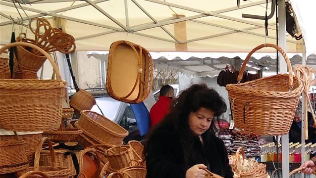 Der Stand mit verschiedenen Korbwaren war am Seenger Frühlingsmarkt eine Premiere.