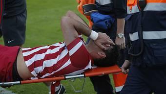 Costa wurde mit einer klaffenden Wunde vom Platz getragen