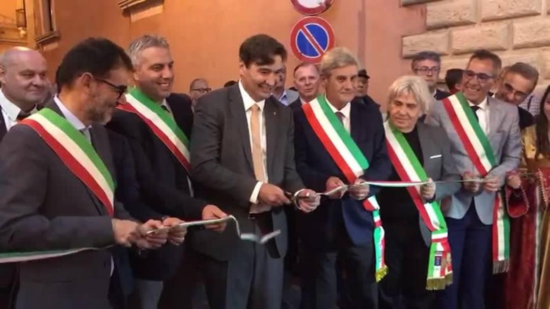 Grenchens Stadtpräsident  eröffnet Herbstfest in Sizilien