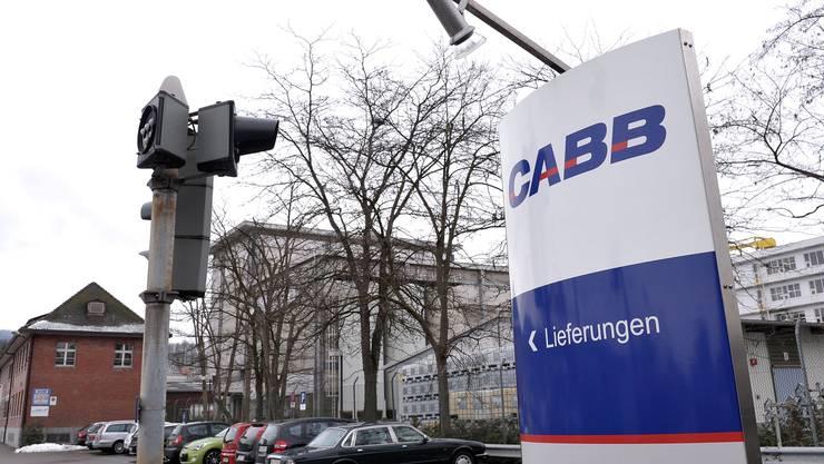 CABB produziert in der Schweizerhalle aus Chlor und Schwefeltrioxid eine Vielzahl von Basis- und Zwischenprodukten, die weiterverarbeitet oder an Kunden ausgeliefert werden. (Archivbild)