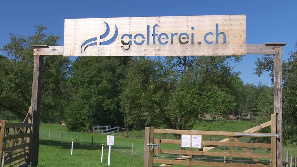 Mega-Golf: Mörschwiler entwickelt Golf auf Straussenfarm