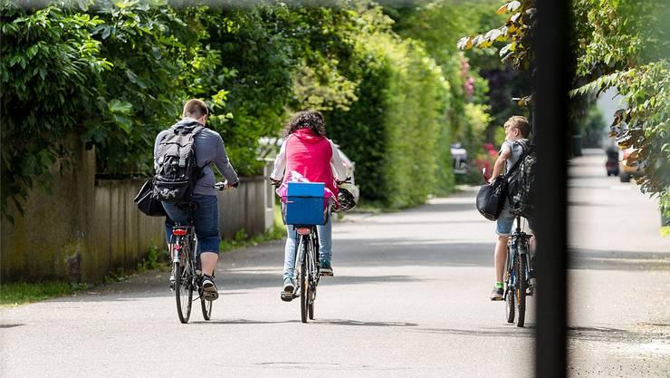 Lange Schulwege blühen den Betroffenen ab den Sommerferien.