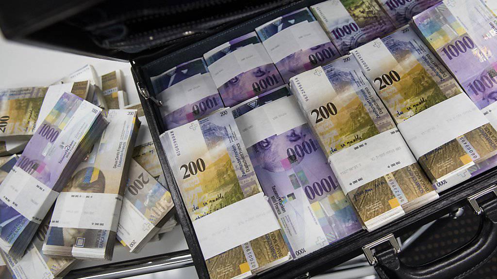 Die Kassen von Bund und Kantonen sind gut gefüllt. Die Finanzverwaltung rechnet auch in den kommenden Jahren mit positiven Abschlüssen. (Symbolbild)