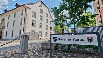 Bei einer Kontrolle von Munitionskisten in der Rekrutenschule in Aarau ist ein Verlust von mehreren Kilogramm Sprengstoff festgestellt worden. (Archivbild)