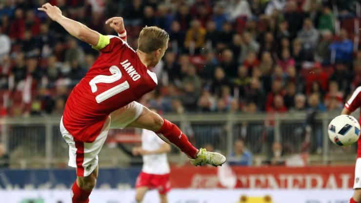 Der Basler Marc Janko im Abschluss für Österreich gegen Malta (2:1).