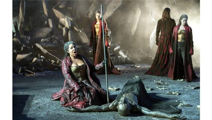 Odabella (Mary Elisabeth Williams) schwört Rache.KEYSTONE