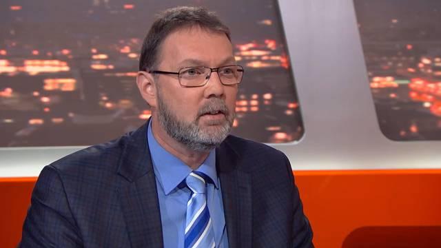 Während Eltern glorifiziert und von Staat und Politik unterstützt werden, ernten Kinderlose nur Geringschätzung, kritisiert Jurist Peter Kunz.