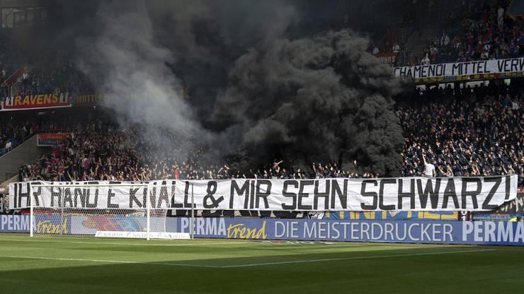 Die Werbe-Aktivitäten ihres Vereins enttäuschen Teile der FCB-Anhängerschaft.