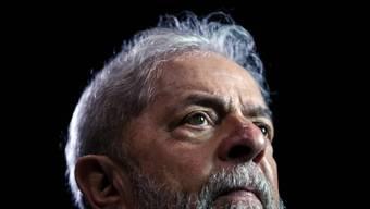 Der wegen Korruption inhaftierte brasilianische Ex-Präsident Luiz Inácio Lula da Silva ist in einem weiteren Verfahren zu zwölf Jahren und elf Monaten Gefängnis verurteilt worden. (Archivbild)