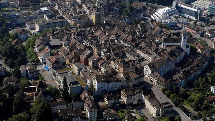 Luftaufnahme der Stadt Aarau.