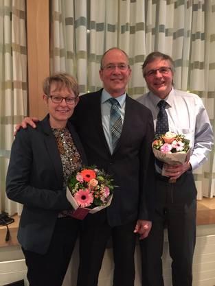 Die neuen Ehrenmitglieder Jasmine Heusser und Jean-Marc Wolfgang mit Präsident Rolf Düggelin (Mitte)