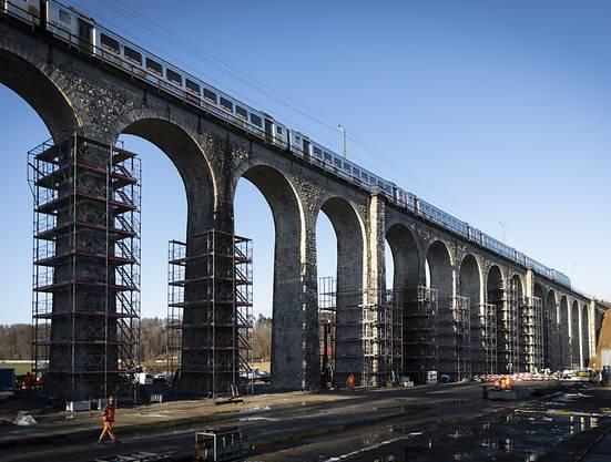 Die Baustelle beim Saaneviadukt in Gümmenen.