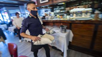 Hektische Zeiten in der Gastronomie: Finanzminister Maurer pocht auf «hohe Ausgabendisziplin»