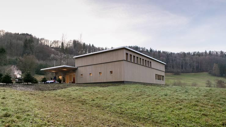 So zeigt sich das Holzgebäude im Reppischtal von aussen.