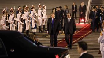 US-Präsident Donald Trump trifft in Vietnam ein.