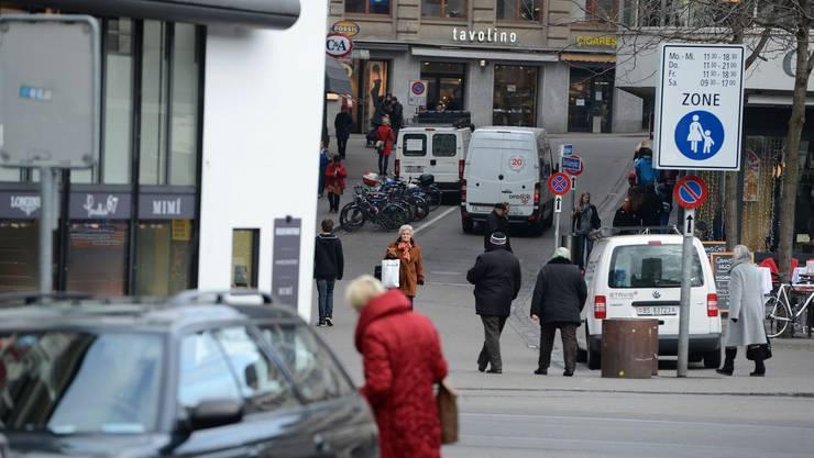 Die autofreie Innenstadt kommt noch nicht. Auf dem Bild ein Blick auf die Freie Strasse.