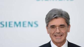 Der CEO von Siemens, Joe Kaeser, gibt Stellenabbau bekannt.