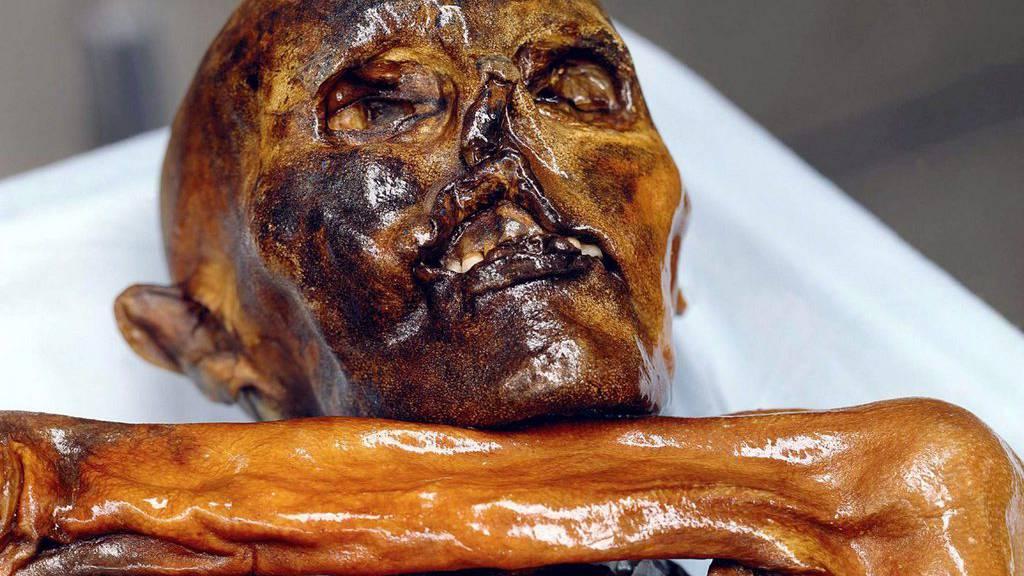 Ötzi im Südtiroler Archäologiemuseum in Bozen.