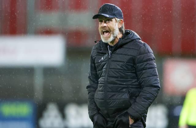 Stephan Keller engagiert an der Seitenlinie während der Partie gegen Winterthur