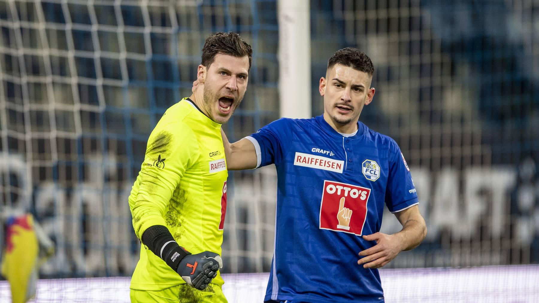 Marius Müller hält einen Penalty gegen Servette