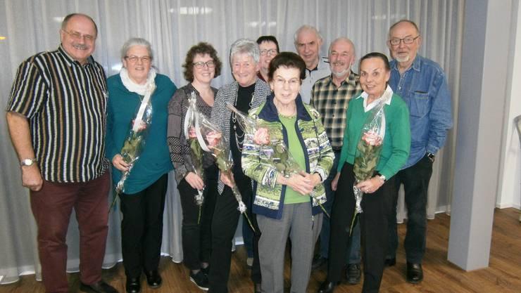Diese Mitglieder wurden geehrt. Borner Sonja (45 Jahre), Naujoks Annemarie (40), Andres Paul (40), Fehlmann Ruedi (35), DeGottardi Helené (30), Hess Nelly (25), Benz Sonja (15), Ellenberger Verena (15), Stockmaier Günter(10) nicht auf dem Bild Schnorbus Ingrid (30) und Ardabayin Eveline (20)