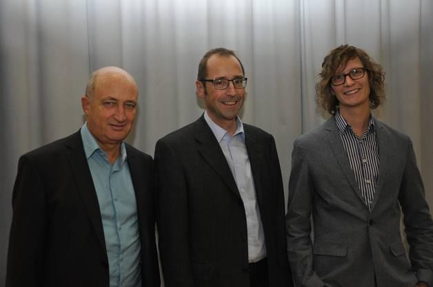 Vor einem vollen Saal durfte Gastgeber Paul Marbach, StWZ (Mitte), die beiden Referenten Roman Eppenberger (links), Mitglied der Geschäftsleitung Stiftung SENS und Thomas Weiss (rechts), EMPA Dübendorf begrüssen.