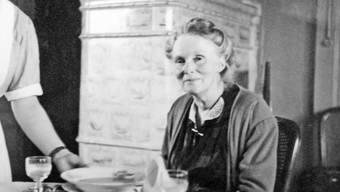 Jumpfere Frida Rothpletz (undatierte Aufnahme) in ihrer Wohnung im Schlössli.